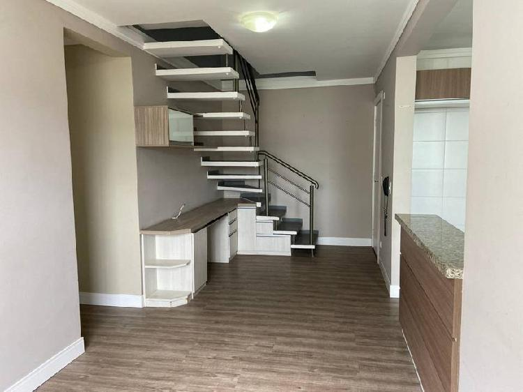 Cobertura duplex com 3 dormitórios, sendo 1 suíte, bairro