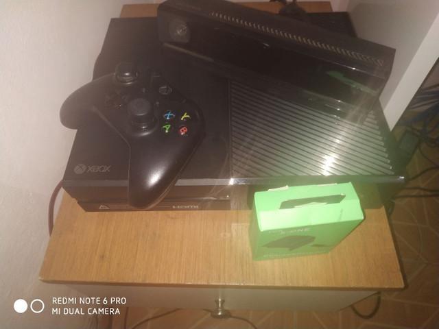 Xbox on fat + kinect + carregador de controle
