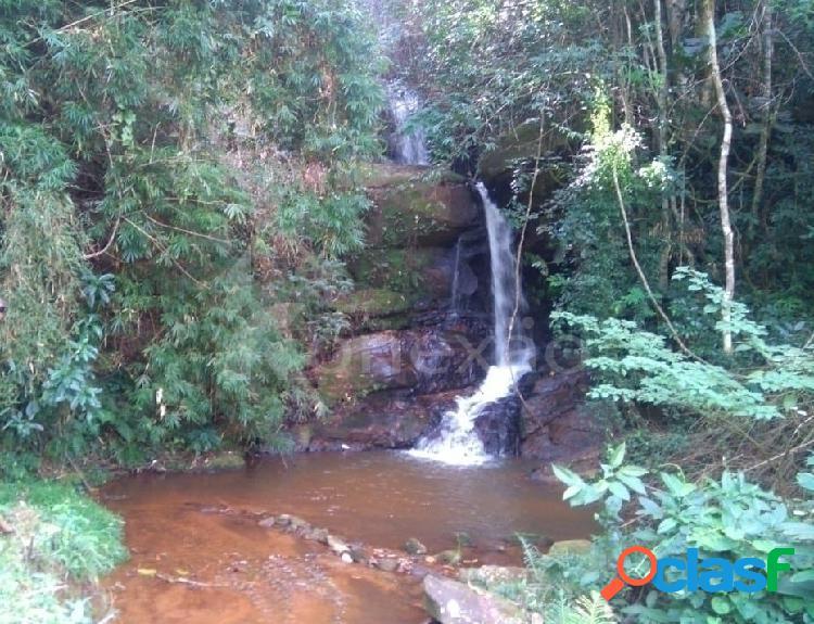 Sítio de 60 hectares à venda em caçapava/sp com ribeirão, lago e cachoeira