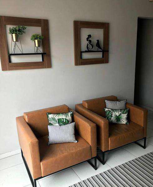 Reforma e fabricação, sob medida: sofá, cadeiras,