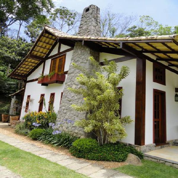 Casa em excelente condomínio