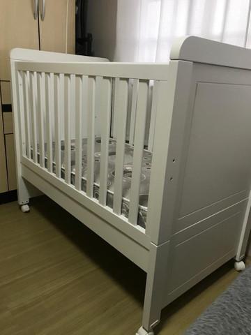 Berço mini cama puppi mobile com colchão e protetores