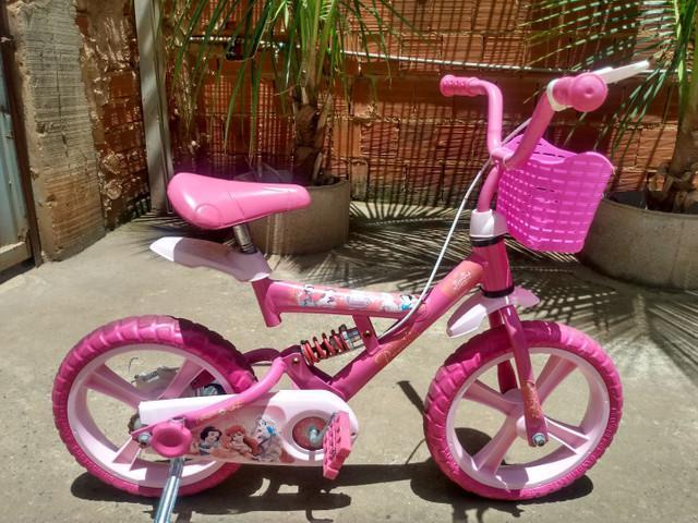Bicicleta infantil aro 14 das princesas