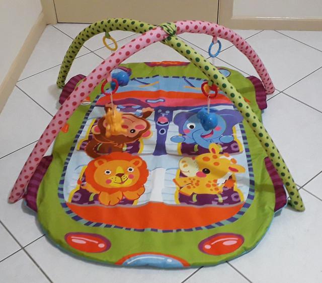Ginasio de atividades bebê