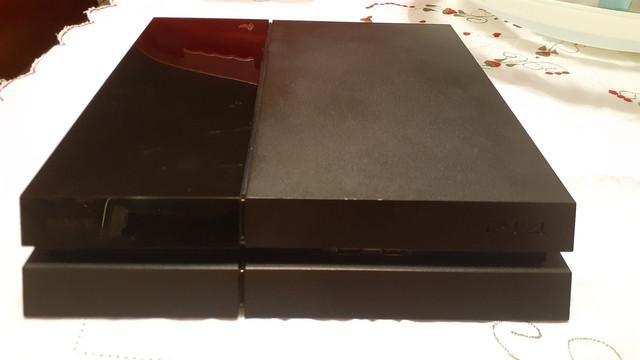Ps4 fat, 500gb + 2 controles originais + 1 par de caps