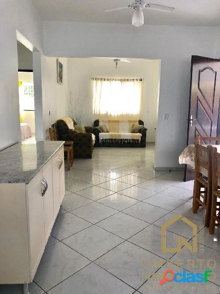Linda Casa Mobiliada a venda bairro Itacolomi no Balneário de Piçarras SC 2