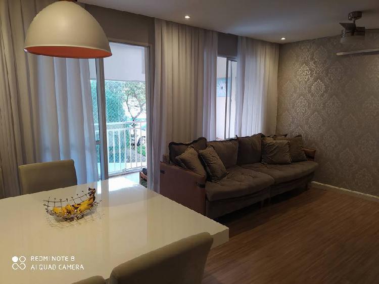 Apartamento para venda com ótima localização, possui 80