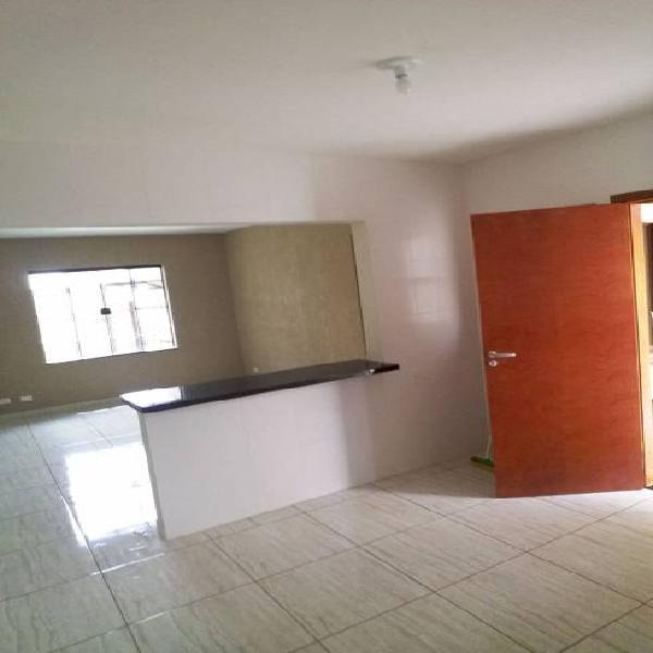 Casa para venda com 70 metros quadrados com 2 quartos em