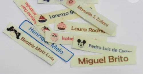 Etiquetas termocolantes para roupas e uniformes.