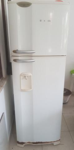 Geladeira eletrolux, 127 v, 356 litros, com dispenser de