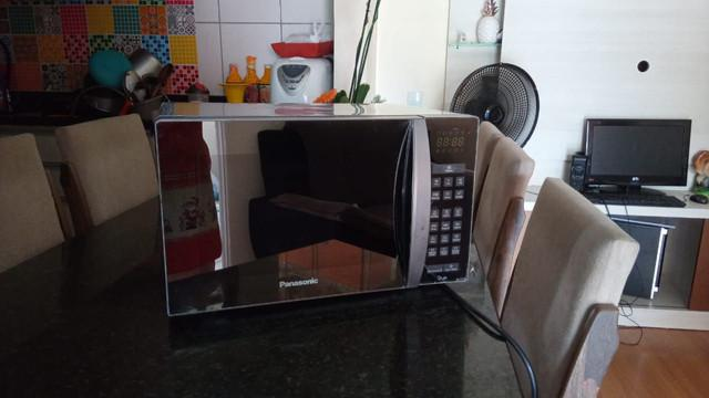 Microondas espelhado inox philco 30 litros