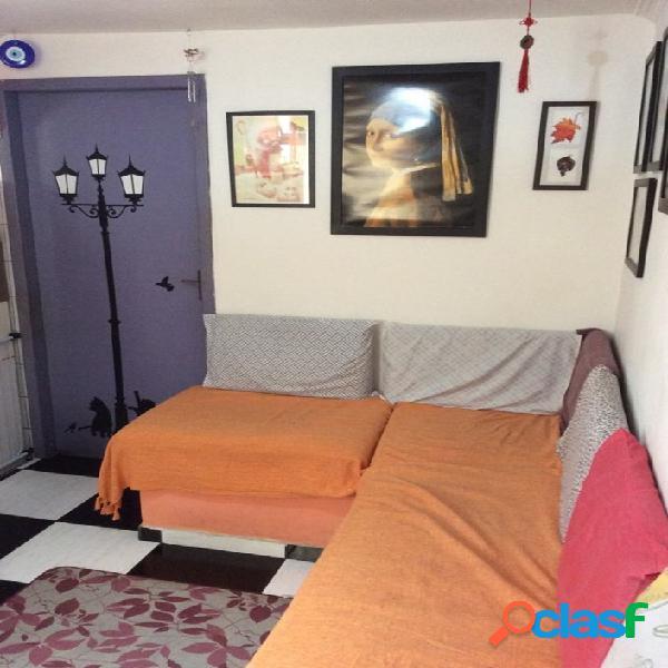 Apartamento Grande 58M² Com 3 Dormitórios - Cohab 1
