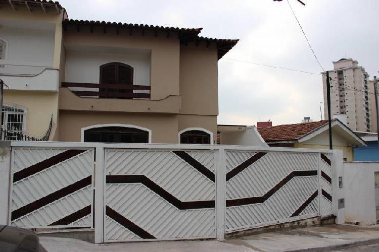 Casa de 180 metros quadrados no bairro jardim peri peri com