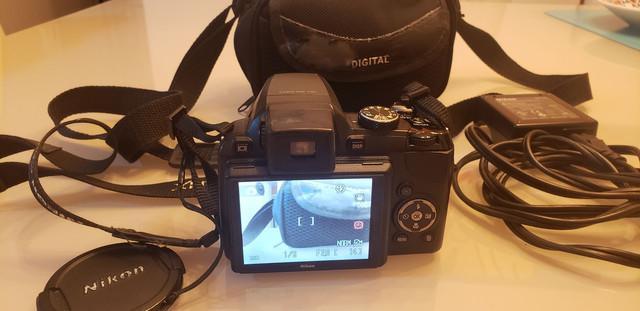 Maquina fotográfica nikon digital usada