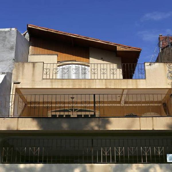 Casa de 180 metros quadrados no bairro jardim alvorada (zona
