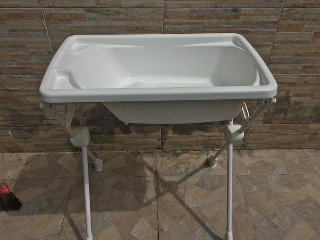 Kit banheira banho bebê rigída branca burigotto com