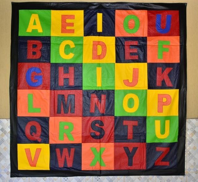 Tapete alfabético infantil