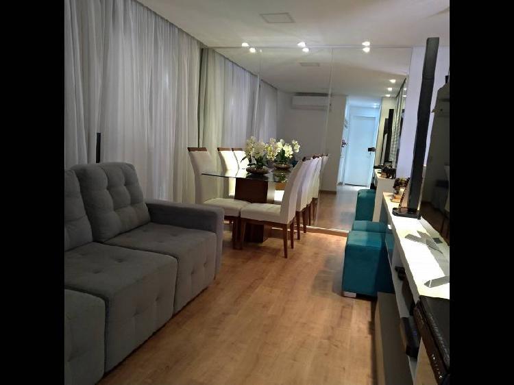 Apartamento mobiliado para venda possui 70 metros quadrados