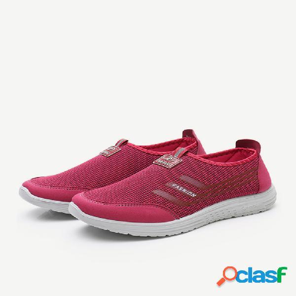 Mulheres caminhando soft malha respirável calçados casuais deslizantes