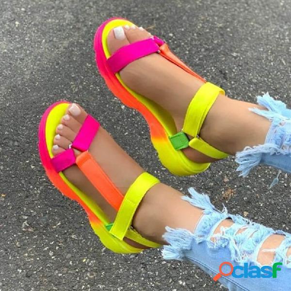 Dedo do pé aberto feminino de tamanho grande soft sandálias rasas de alça gancho
