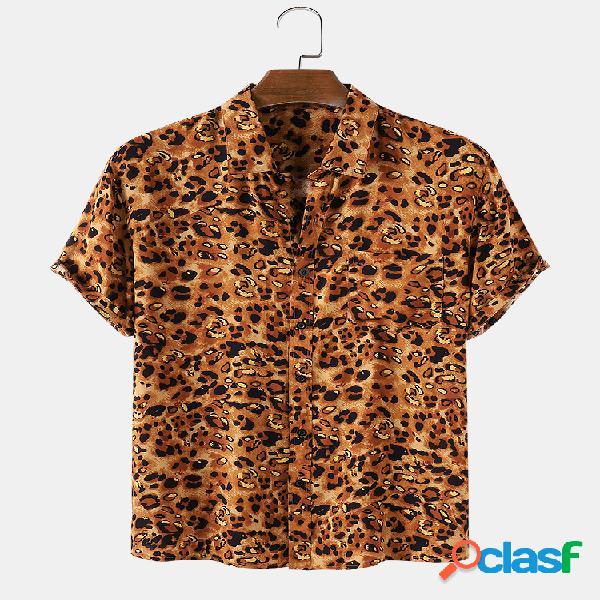 Camiseta masculina estampada leopardo de manga curta casual com bolso
