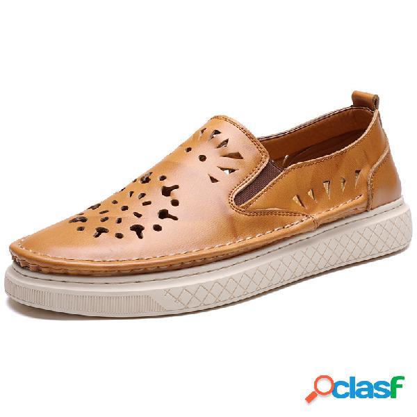 Sapatos baixos casuais masculinos de couro oco soft respirável e vestível