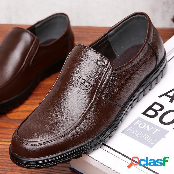Homens pure color soft sole deslizamento em casual sapatos de couro de condução