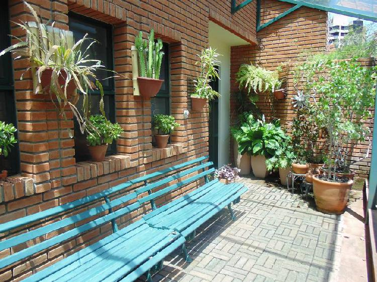 Casa em condomínio fechado no morumbi com home office, 2