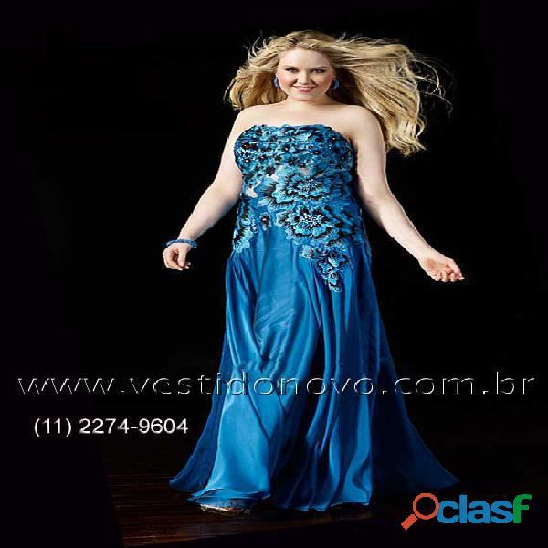 Vestido plus size floral azul royal