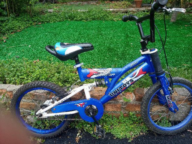 Bicicleta infantil aro 16 montana com amortecedor de 4 a 8