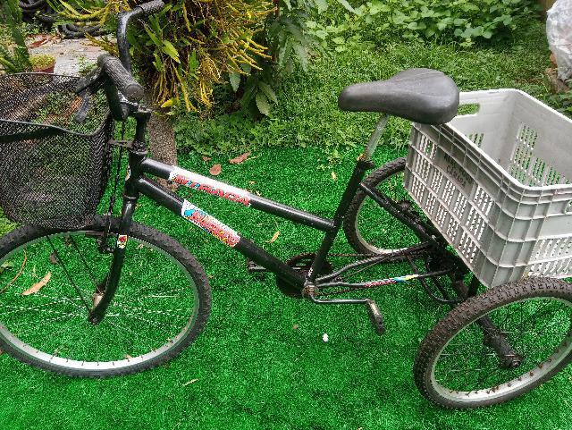 Bicicleta triciclo sem marchas aro 26/20. revisada