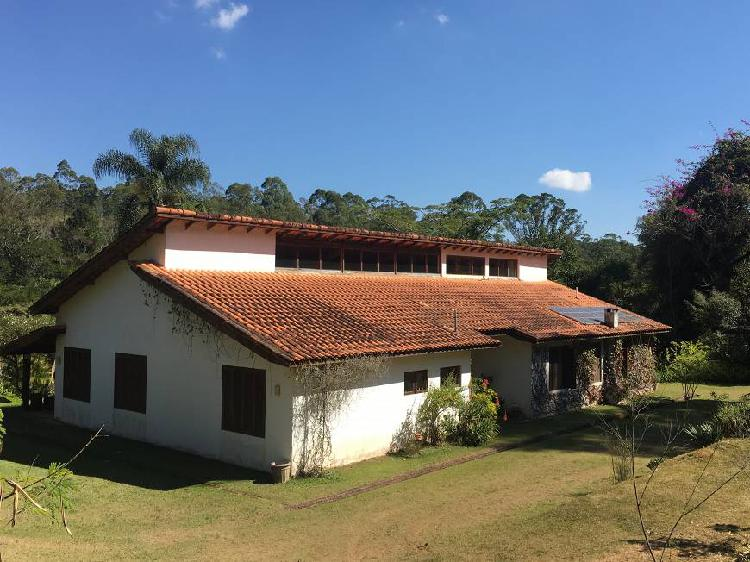 Fazenda/sítio/chácara com casa de 350 m², 5 quartos e 5