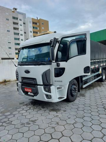 Ford cargo 2429l truck