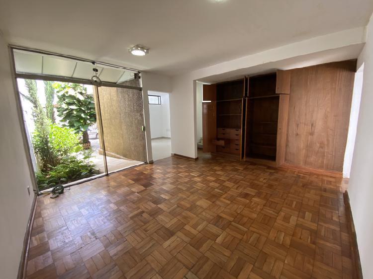 Linda casa 178 m2 ótima localização