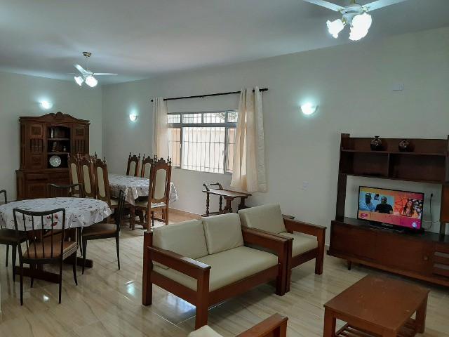Casa ampla, 04 dormitórios, excelente localização, praia