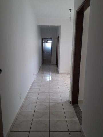Rf.177.casa sobre loja, 2dorm.1vg.$1280, pq. nações