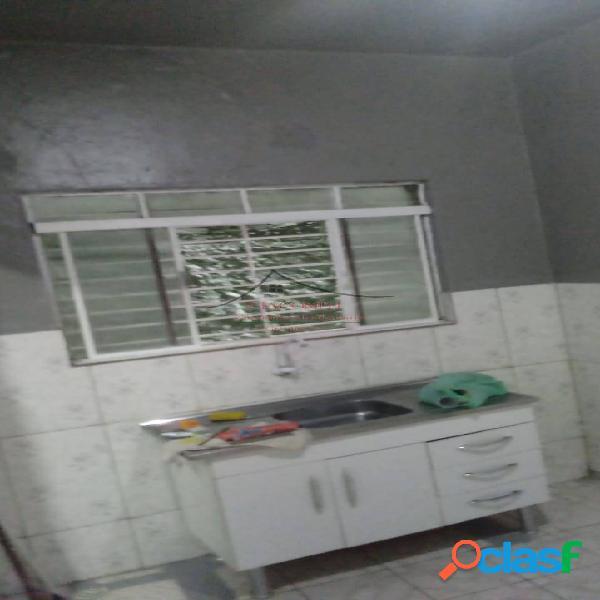 Casa recém reformada quarto, cozinha área de serviço - sem animais