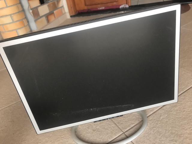 Dois monitores de computador proview ar2238af samsung ls22tw
