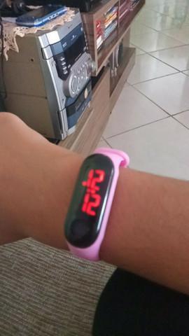 Relógio de pulso digital de led pink