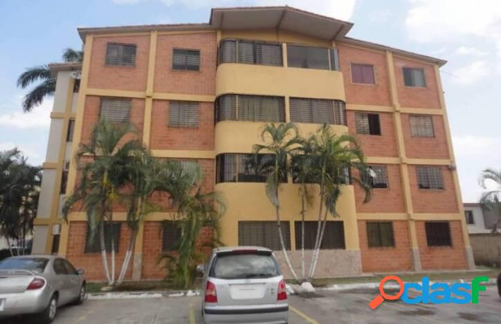 Bello y cómodo apartamento en venta en chalets country, san diego