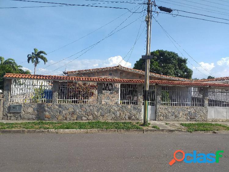 Casa en ciudad alianza 1era etapa 411 metros