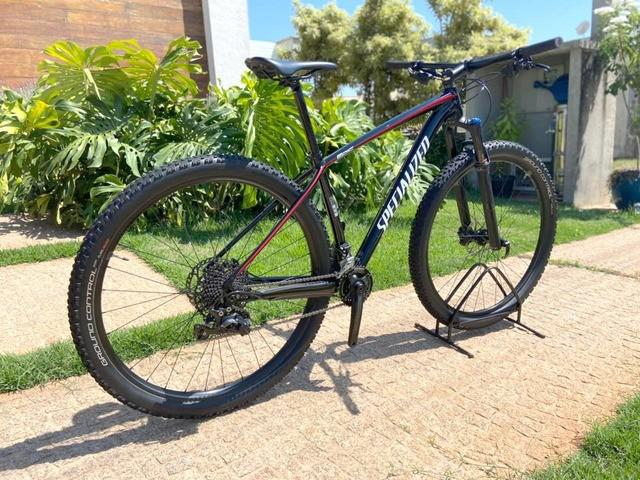 Mountain bike specialized epic ht