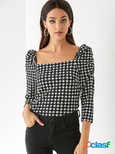 Yoins blusa preta geométrica aleatória de decote quadrado