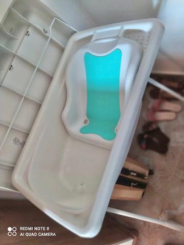 Banheira de bebê burigotto com suporte e trocador -