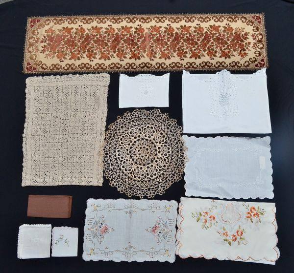 Lote cama, mesa e banho – 100 peças para brechós
