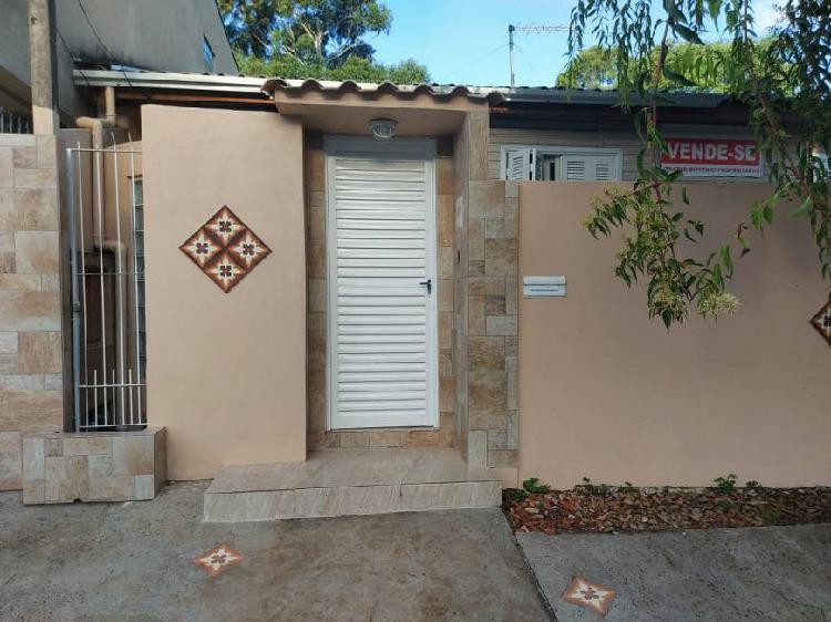 Casa para venda com 90 metros quadrados com 4 quartos