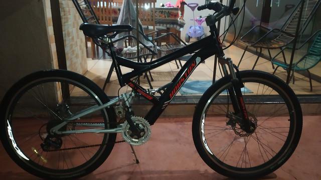 Bicicleta usada aro 26 com suspensão dianteira e 21 marchas