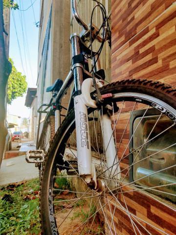 Bike toda boa nada pra fazer dois pneus novos
