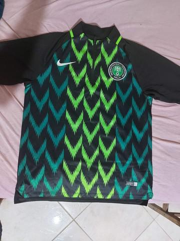 Blusa nigéria nike