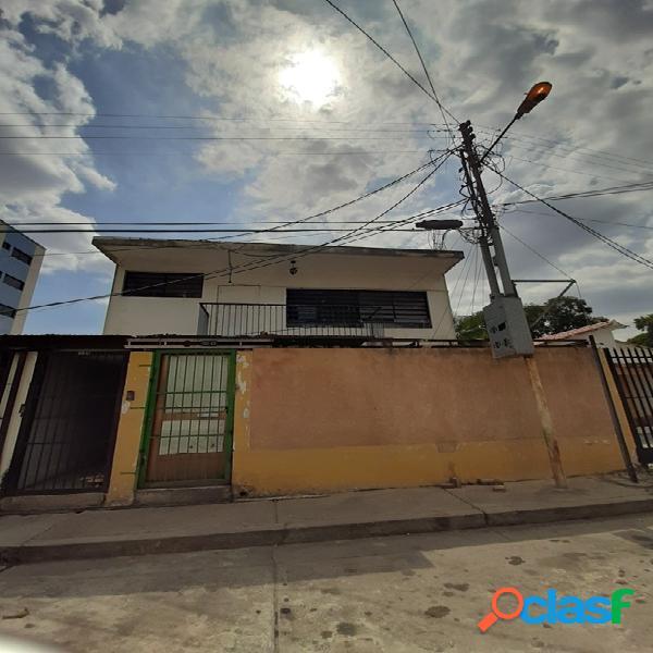 Alquiler de casa comercial en av. bolívar norte de valencia